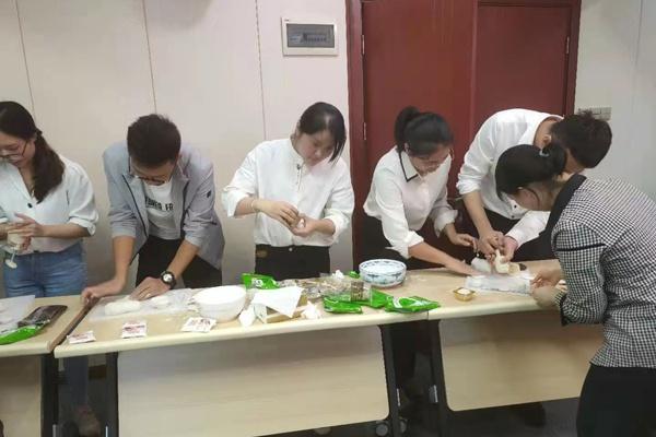 南昌市政建設集團中秋手工月餅活動6004001.jpg