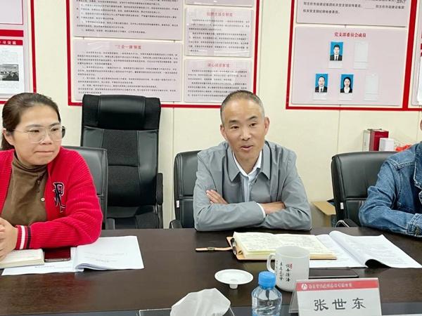 南昌市政公用集团宣传部傅越华指导报告文学创作6002.jpg