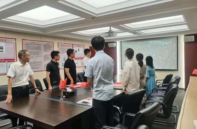 """南昌市政建设集团组织观看""""七一勋章""""颁授仪式691.jpg"""