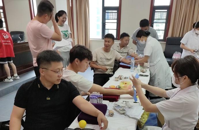 2021南昌市政建設集團組織無償獻血6915.jpg