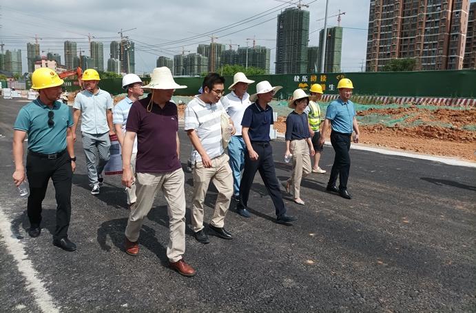 鄭學平蒞臨廣州路東延工程項目進行質量安全檢查6911.jpg