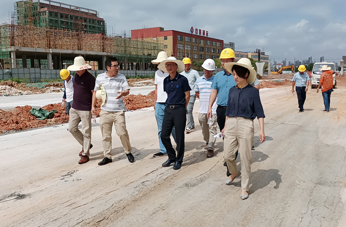 鄭學平蒞臨廣州路東延工程項目進行質量安全檢查6912.jpg