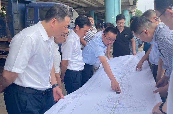 市政公用集团党委副书记总经理万义辉莅临S49提升改造工程项目检查指导6911.jpg